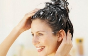 10 Simple Ways to Get Rid of Dandruff Permanently